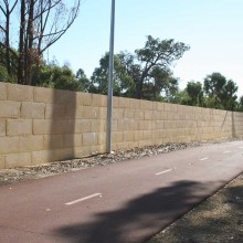 Gateway-graham-farmer-freeway-mandurah-noisewalls-limestone-screen-wall--MRWA-Main-Roads-WA-1.jpg