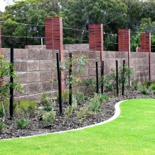 Rosehill-Cigar-limestone-retaining-walls-brickwork-feature-piers-3.jpg